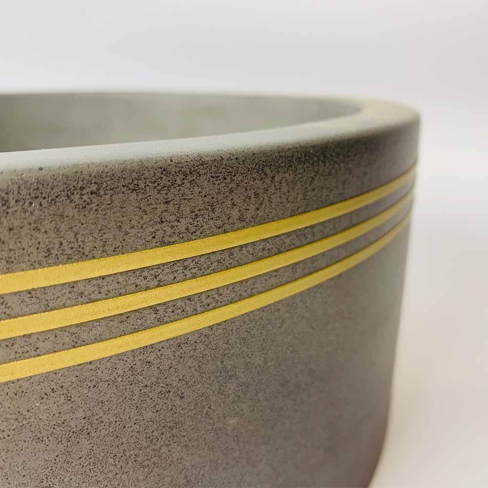 Wirli Concrete Basin with Brass Pinstripes