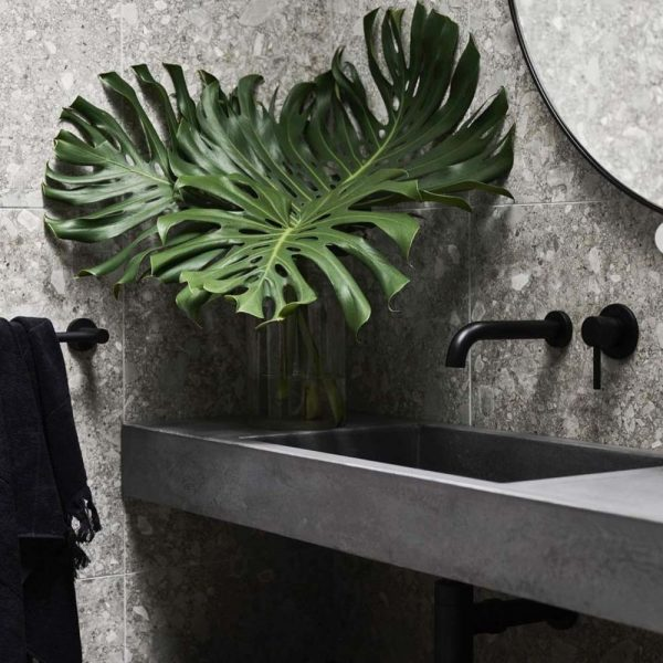 Rectangular Concrete Basin Vanity Top in a modern bathroom with plant 01 - Baly by Concrete Studio